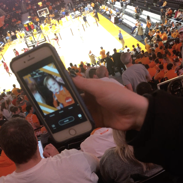 Hoops Hype Tennessee Selfie 1